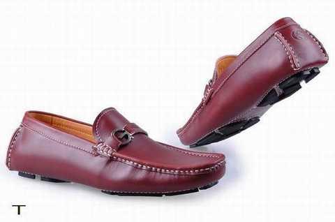 Les semelles de ces chaussures sont con ues de telle manière qu une femme  ne ressente aucune douleur. Avec la douleur dans les pieds, on a également  réduit ... fff34d519c9