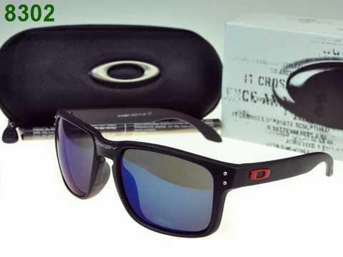 Le Honeyroom offre vintage, célébrité, oversized lunettes de soleil  aviateur et beaucoup d autres styles de lunettes de soleil et accessoires  de célébrité à ... ded0c7d0c275